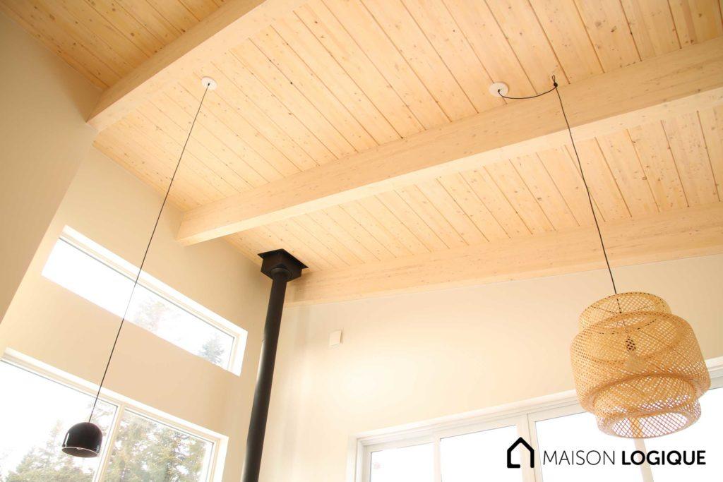 Mini maison Logique : Un bon exemple que le lamellé-collé a sa place dans toutes les grosseurs de maisons!